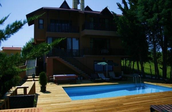 Villa Pine Garden Otel