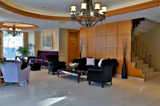 Queen Hotel Spa