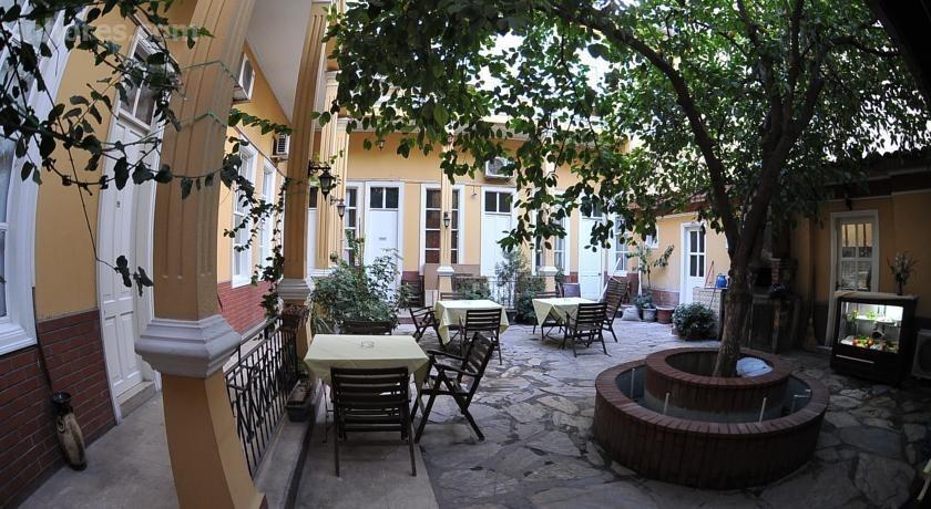 Antikhan Hotel