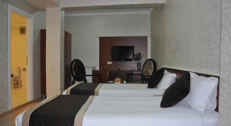 Bosphorus Family Old City Hotel