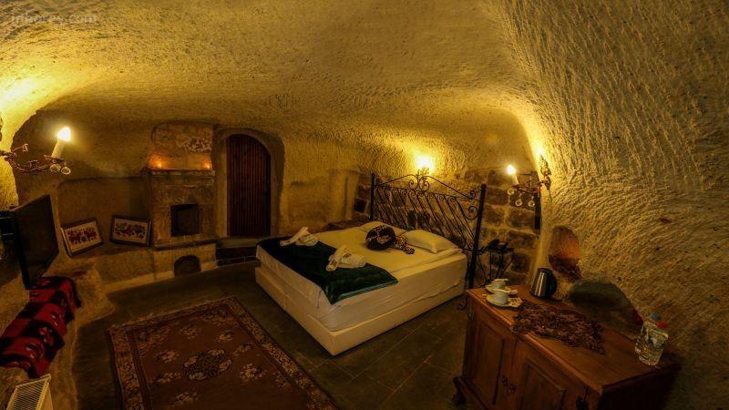 Cave Art Hotel