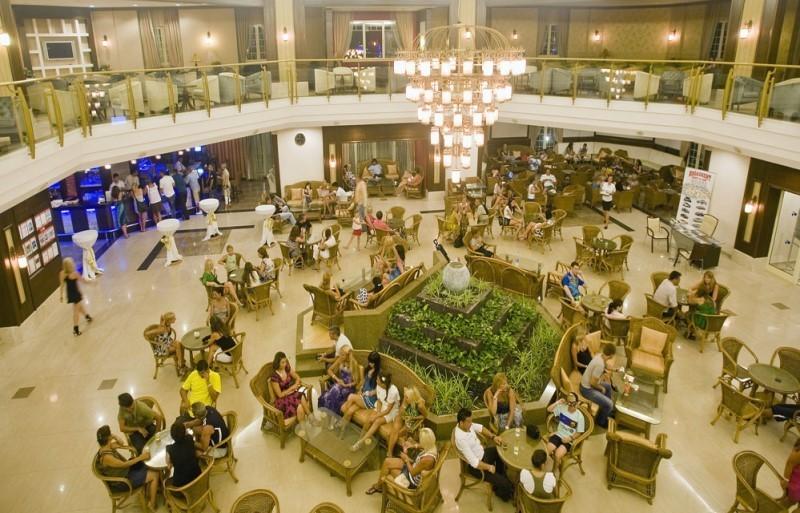 Crystal Paraiso Verde Resort & Spa