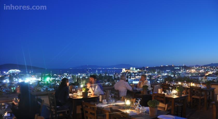 El Vino Hotel & Suites