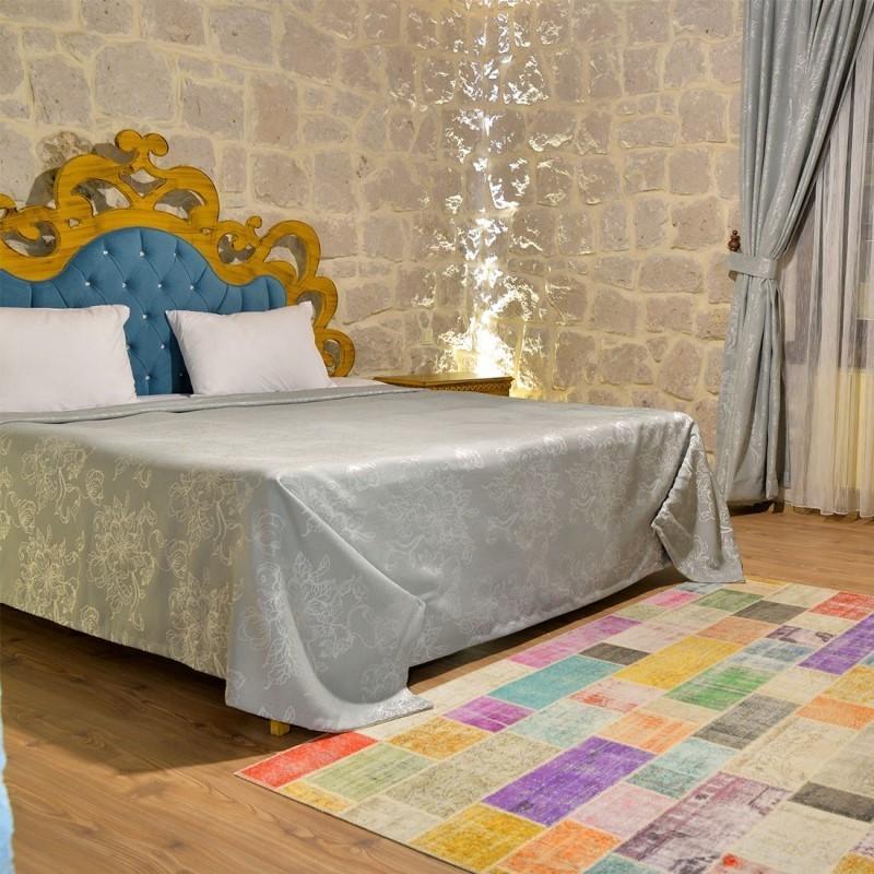 Elevres Stone House Hotel