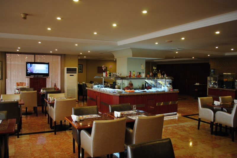 Hotel Eken Prestige