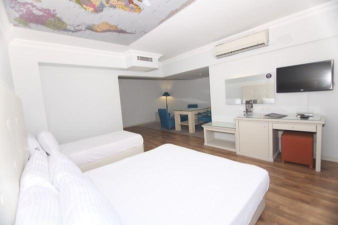 Hotel Etap Mola