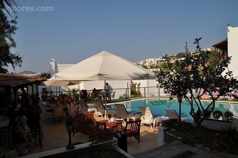 Jarra Hotel