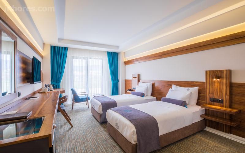 Karpalas City Hotel & Spa