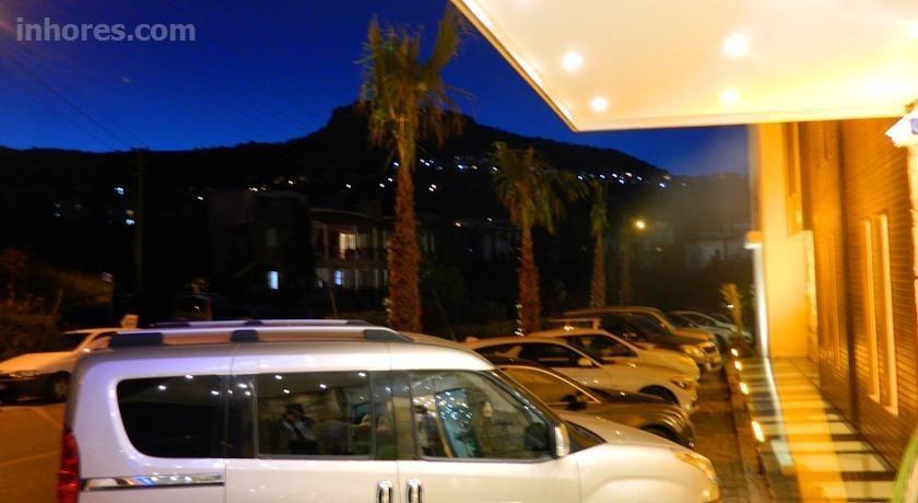 Liona Hotel