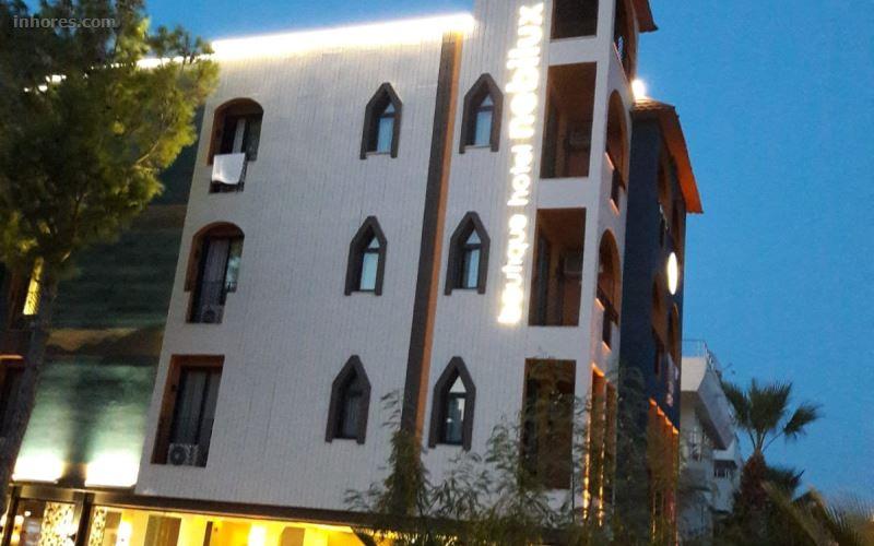 Nebilux Hotel