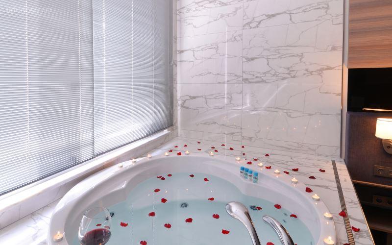 Nish İstanbul Suite