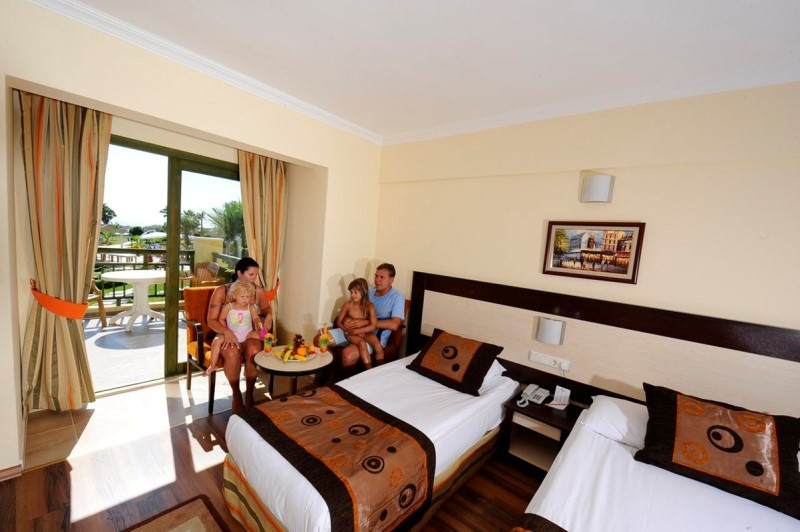 Öz Hotels İncekum Beach Resort & Spa Hotel