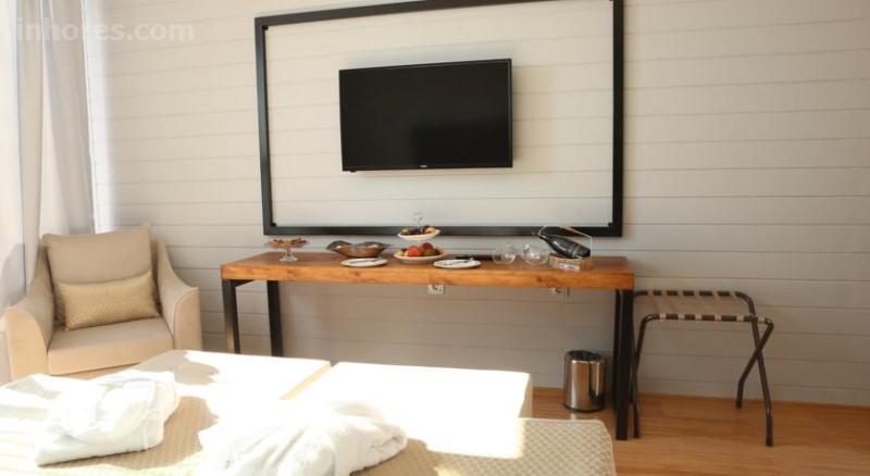 Risus Aqua Beach Resort Hotel