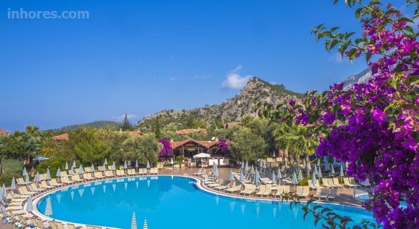 Suncity Hotel & Beach Club