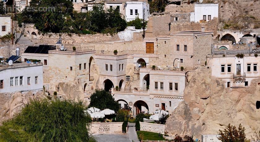 Tafoni Cave Hotel