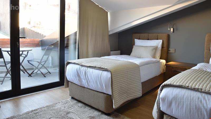 The Elegant Hotel