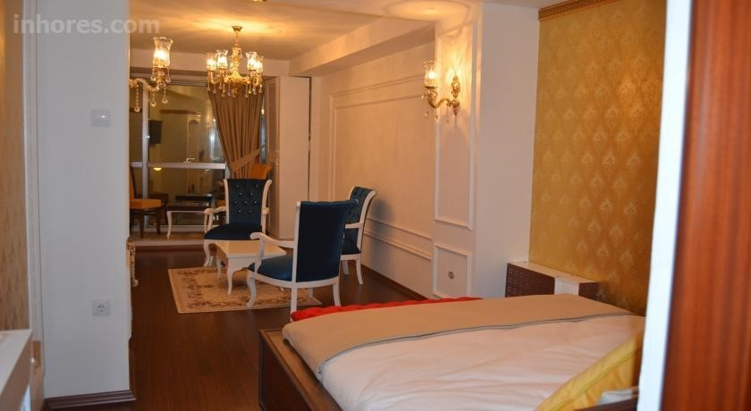 The Gala Palace Suite