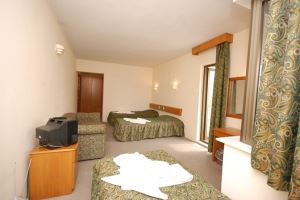 Dıas Hotel
