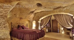 Golden Cave Suites