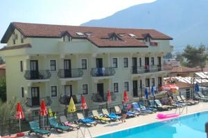 Grove Hotel