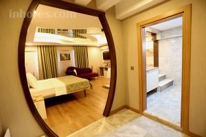 Life Corner Hotel