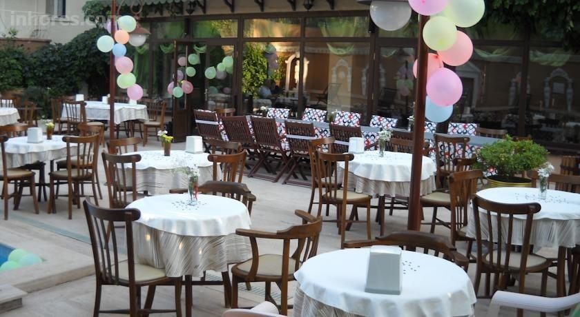 Triana Hotel