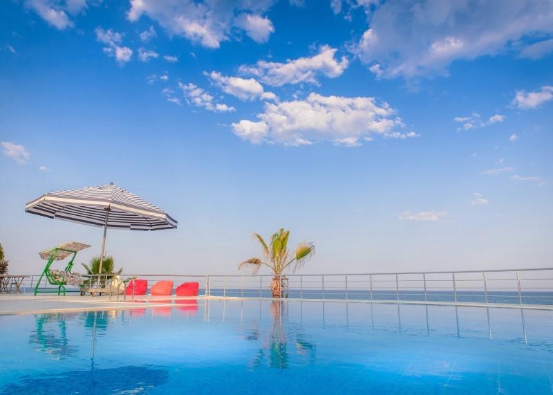 Veran Hotel Beach Club