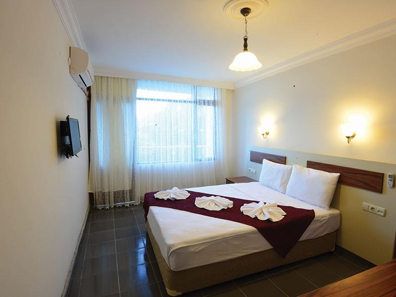 Zeus Turunç Hotel
