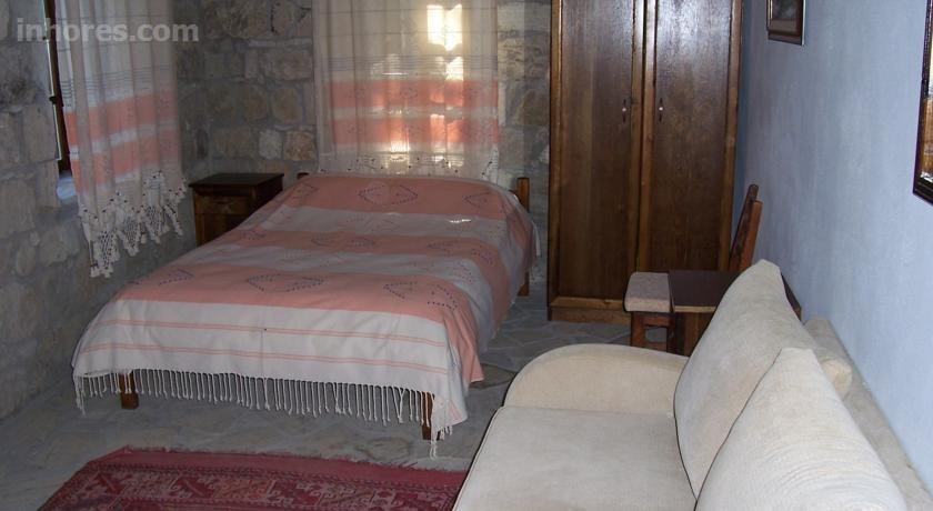Zeushan Hotel